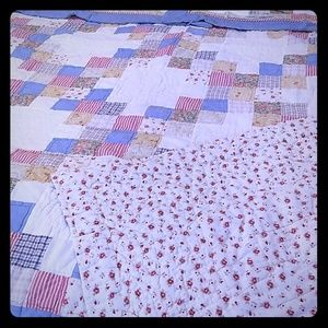 Other - Quilt with Pillow Shams